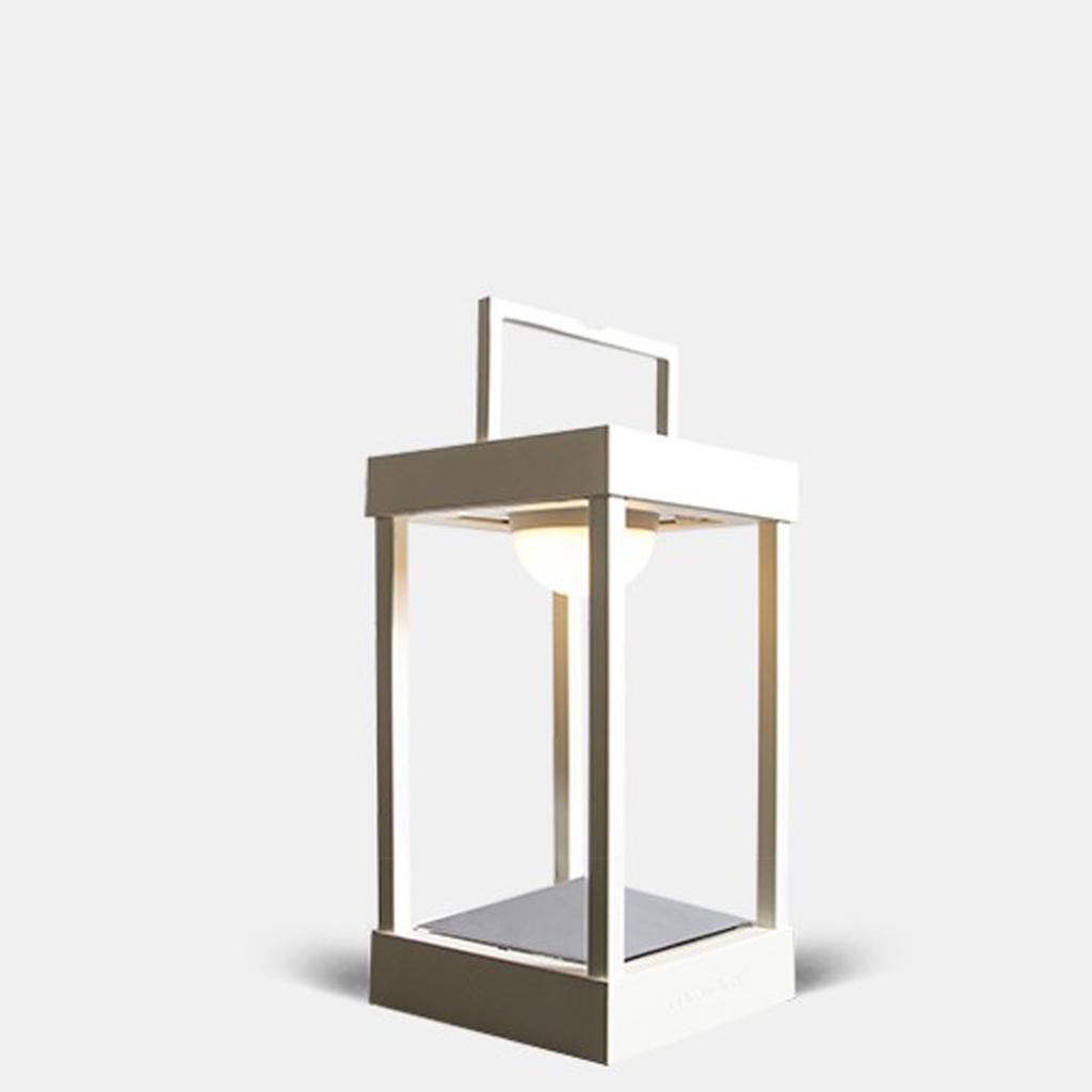 baladeuse et lampe nomade elles illuminent notre d co elle d coration. Black Bedroom Furniture Sets. Home Design Ideas