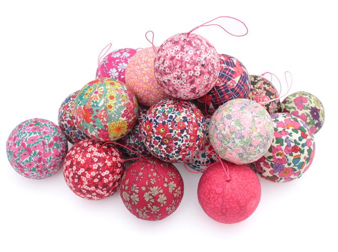 40 boules de no l color es elle d coration for Boules de noel maison