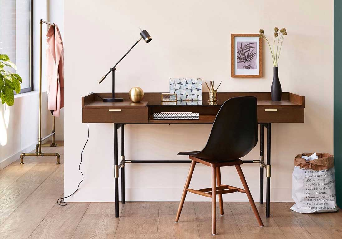 un bureau design pour un espace de travail styl elle. Black Bedroom Furniture Sets. Home Design Ideas