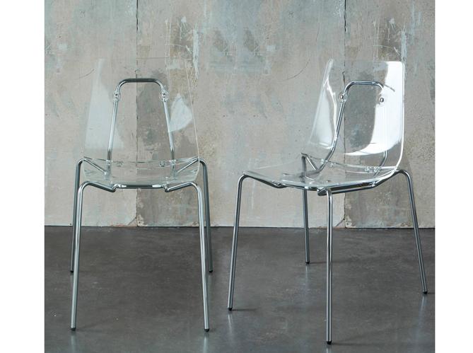 On craque pour les chaises transparentes elle d coration for Chaise 3 suisses