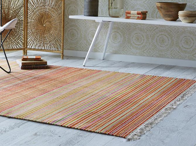 Des tapis qui r chauffent le salon elle d coration for Salon esprit meuble