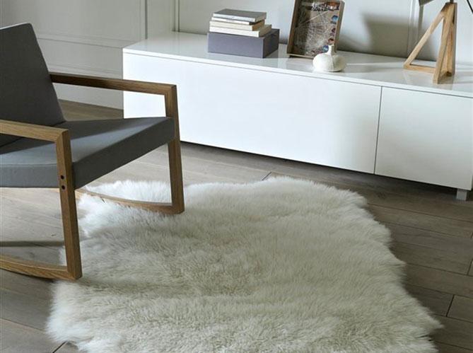 un petit salon chaleureux elle d coration. Black Bedroom Furniture Sets. Home Design Ideas