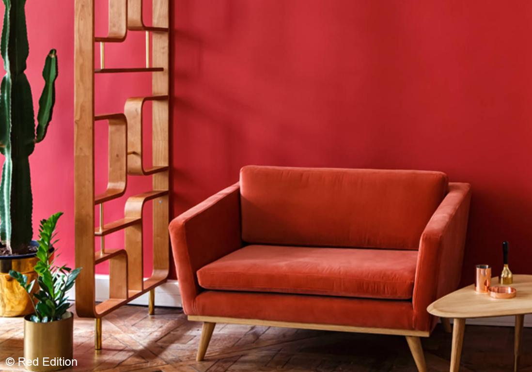 osons la couleur dans le salon elle d coration. Black Bedroom Furniture Sets. Home Design Ideas