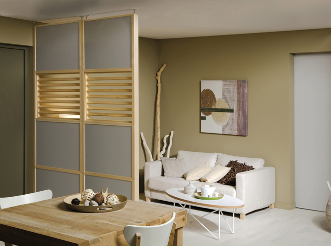 les portes coulissantes jouent les cloisons avec succ s. Black Bedroom Furniture Sets. Home Design Ideas