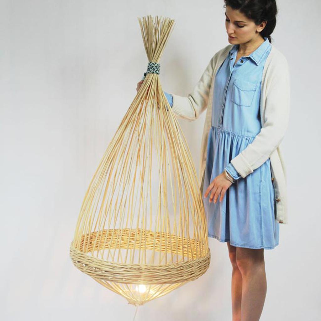 Diff rence osier rotin bambou rotin osier farandole for Suspension en osier