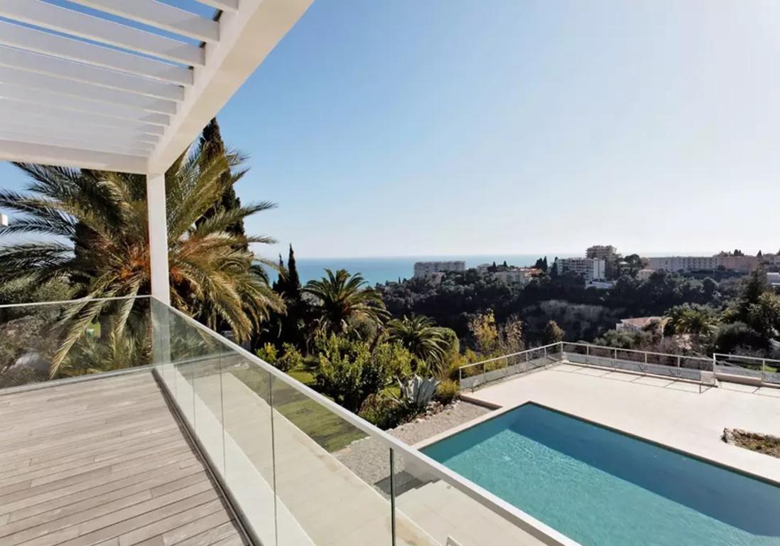 Airbnb nice 30 appartements villas et duplex de r ve for Jardin villa ratti nice