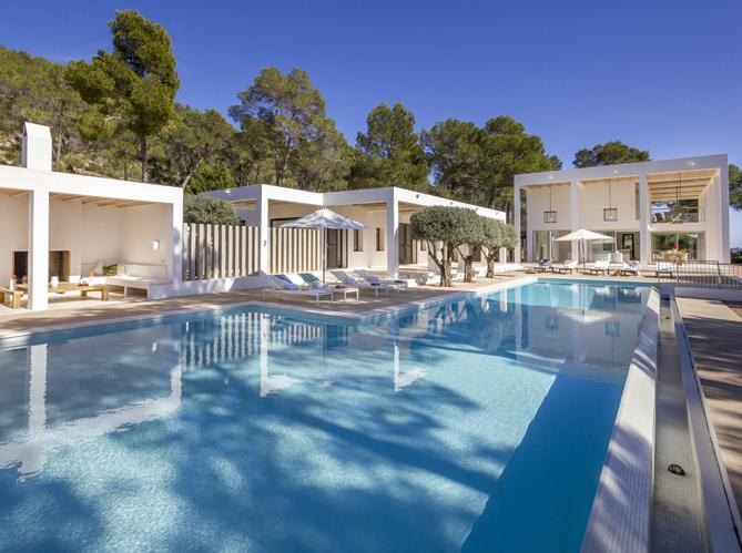 Les plus belles villas pour partir elle d coration for Deco piscine espagne