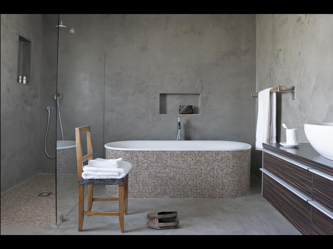 au portugal, une fazenda contemporaine - elle décoration - Beton Cire Pour Carrelage Salle De Bain