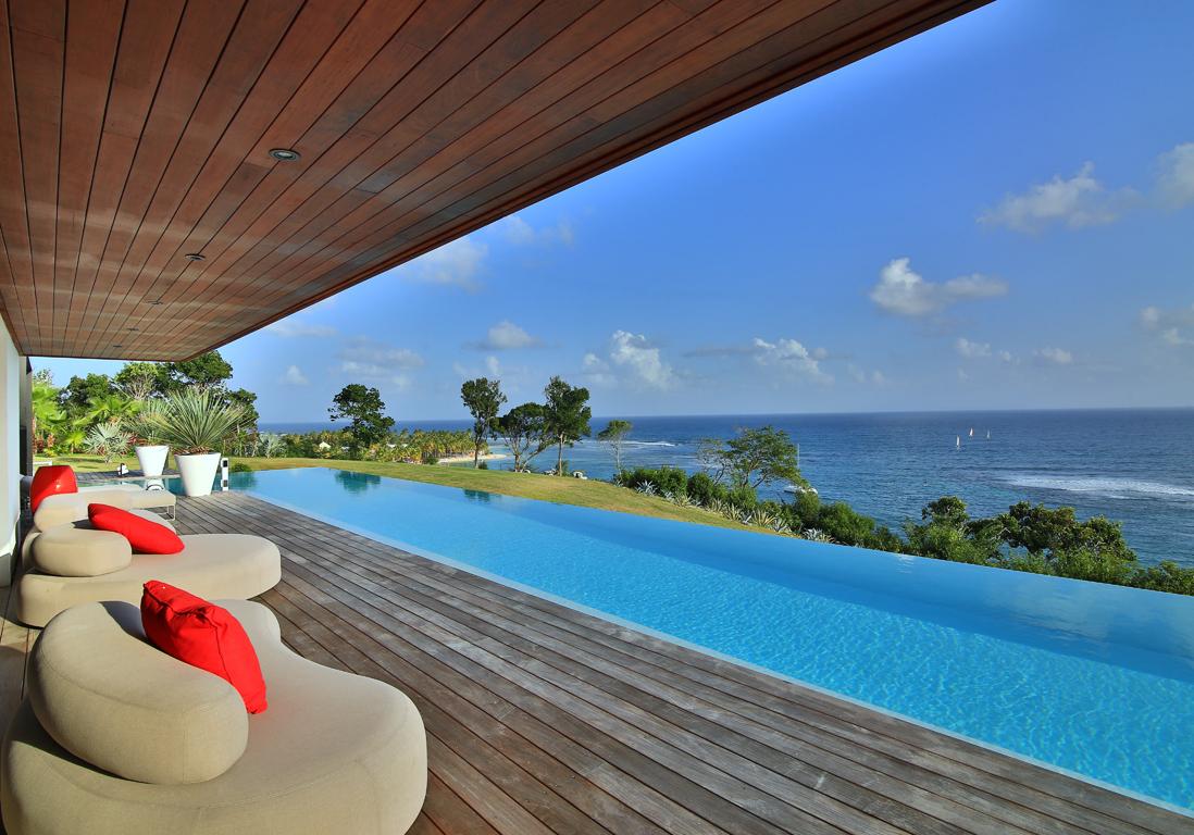 Une villa paradisiaque en guadeloupe elle d coration for Hotel la bourboule avec piscine