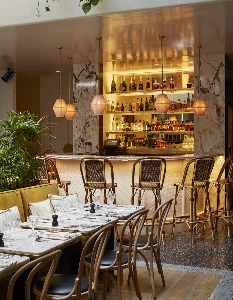 bien connu decoration interieur restaurant vx61 montrealeast. Black Bedroom Furniture Sets. Home Design Ideas