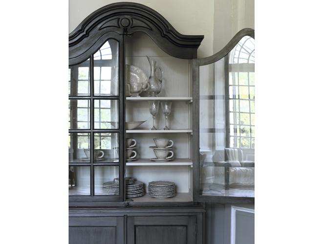Visite d 39 un cottage anglais elle d coration - Maison du monde vaisselier ...