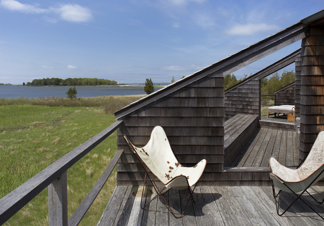 maison de campagne  u00e0 long island avec meubles design   reportage   des meubles design au milieu