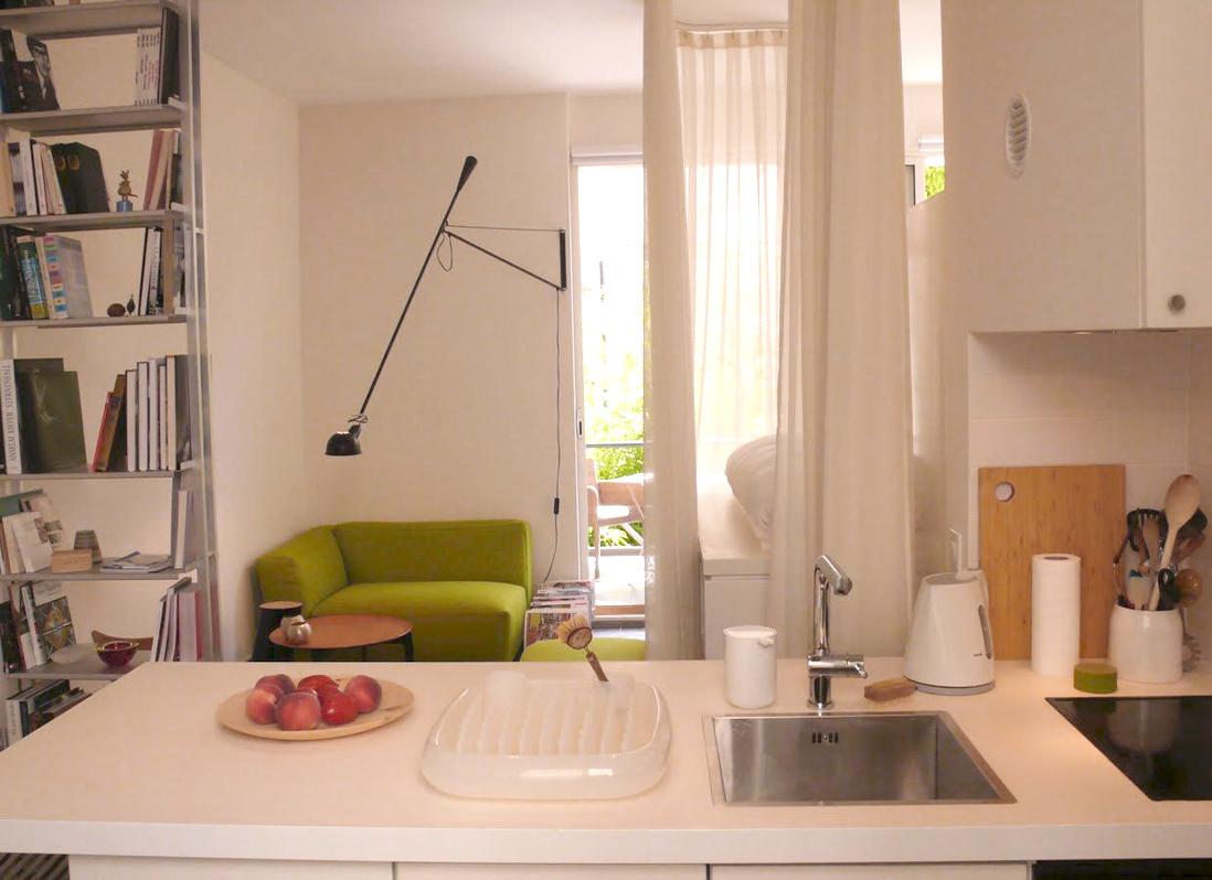 un studio malin au c ur de montmartre elle d coration. Black Bedroom Furniture Sets. Home Design Ideas
