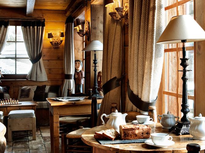 le style campagne authentique dans une ferme savoyarde elle d coration. Black Bedroom Furniture Sets. Home Design Ideas