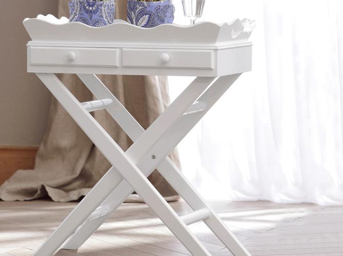 Une chambre au style gustavien elle d coration for Lampe de chevet anglais