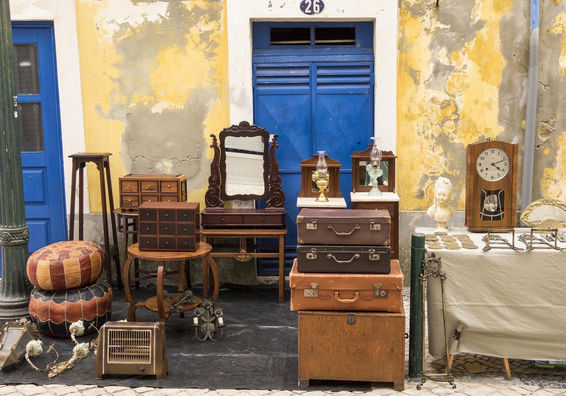 paris les brocantes et vide greniers incontournables des semaines venir elle d coration. Black Bedroom Furniture Sets. Home Design Ideas