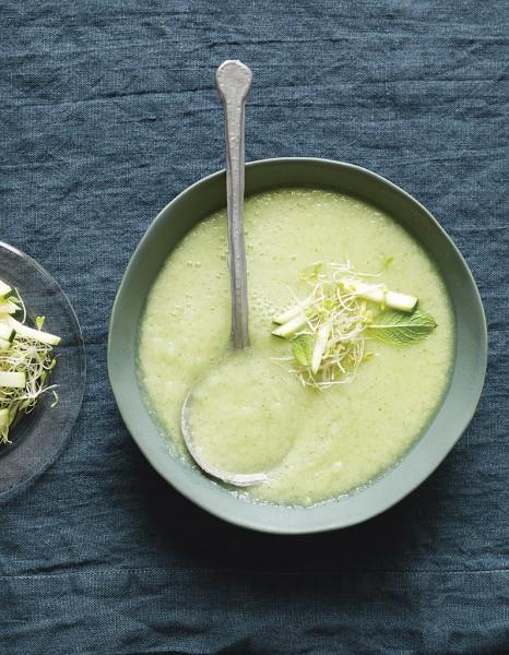 recette minceur rapide soupe froide de concombre pommes et wasabi de trish deseine nos. Black Bedroom Furniture Sets. Home Design Ideas