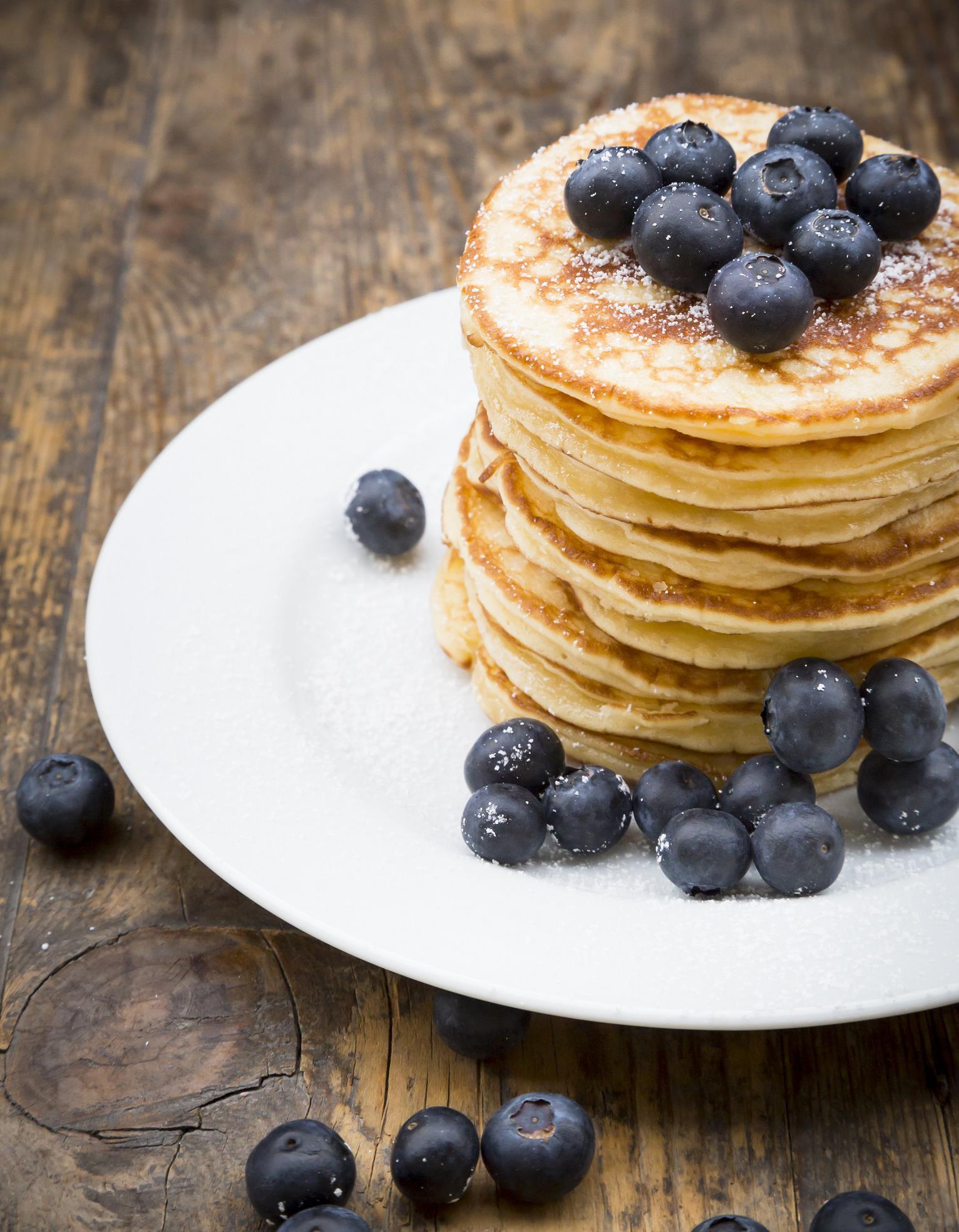 Recette pancakes healthy d couvrez comment pr parer des pancakes healthy elle table - Recette pancakes herve cuisine ...
