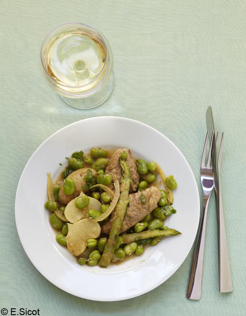 Tajine de veau aux f ves pour 4 personnes recettes elle table - Sites de recettes de cuisine ...