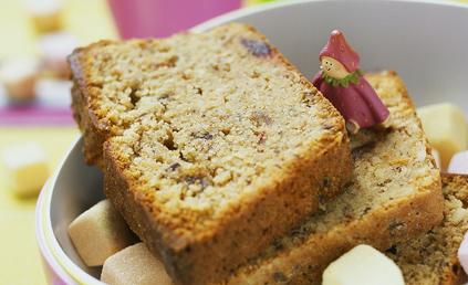 cake aux fruits secs pour 6 personnes recettes elle table. Black Bedroom Furniture Sets. Home Design Ideas