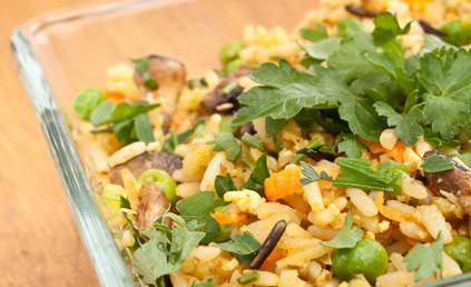 salade de riz la chinoise pour 4 personnes recettes elle table. Black Bedroom Furniture Sets. Home Design Ideas