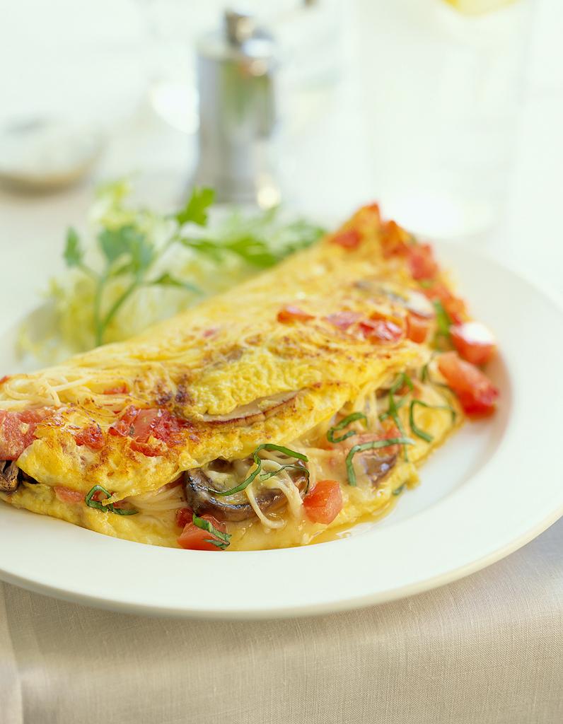 Une omelette pour les grands soirs c est aussi possible 45 astuces en cuisine pour paresser - La cuisine c est aussi de la chimie ...