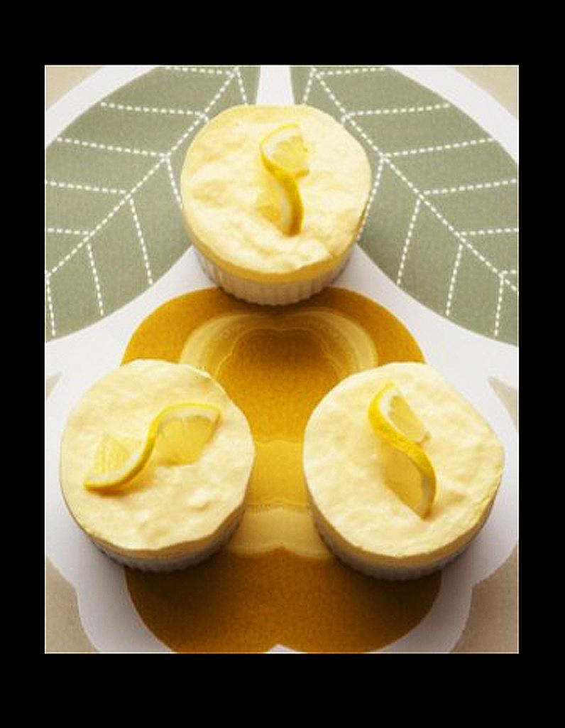 souffle glace au citron 50 recettes de glaces elle table. Black Bedroom Furniture Sets. Home Design Ideas