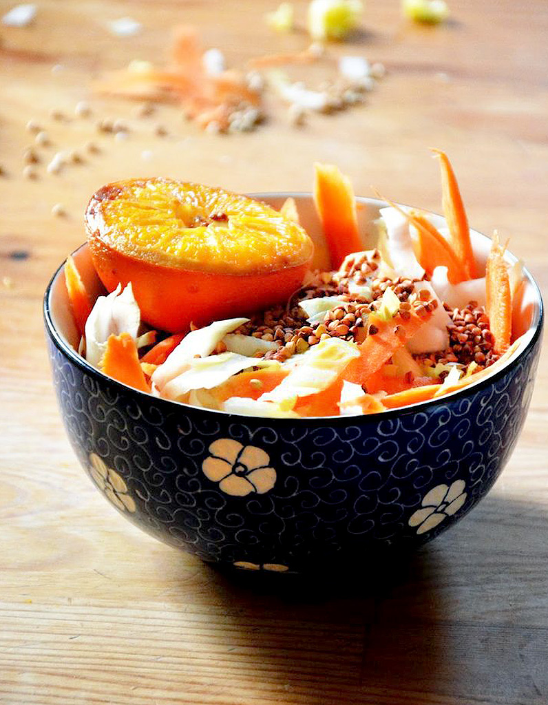 salade d hiver aux endives des salades d hiver compl tes qui changent de la soupe elle table. Black Bedroom Furniture Sets. Home Design Ideas
