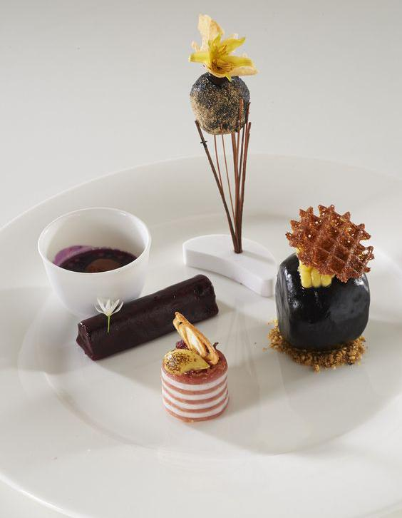 Caf gourmand le caf gourmand est le dessert pr f r des fran ais elle table - Assiette rectangulaire pour cafe gourmand ...