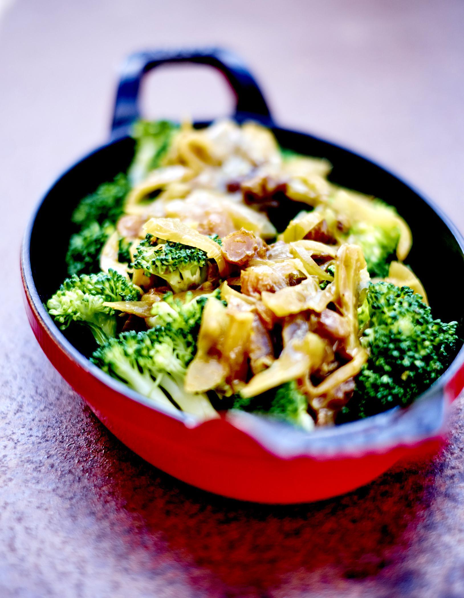 Brocolis sauce oignon et raisin pour 6 personnes recettes elle table - Sites de recettes de cuisine ...
