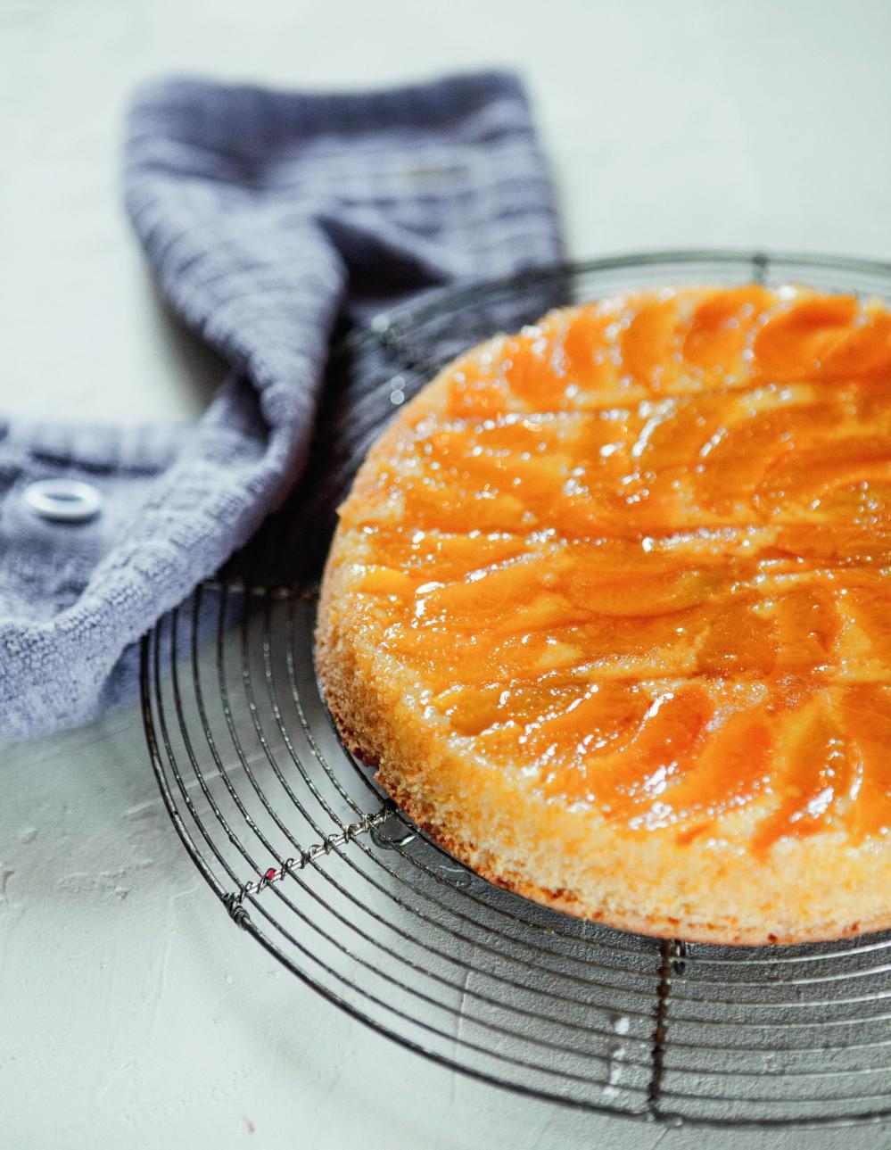 Cake polenta abricot et caramel de christophe michalak pour 6 personnes recettes elle table - Recette cuisine france 2 telematin ...