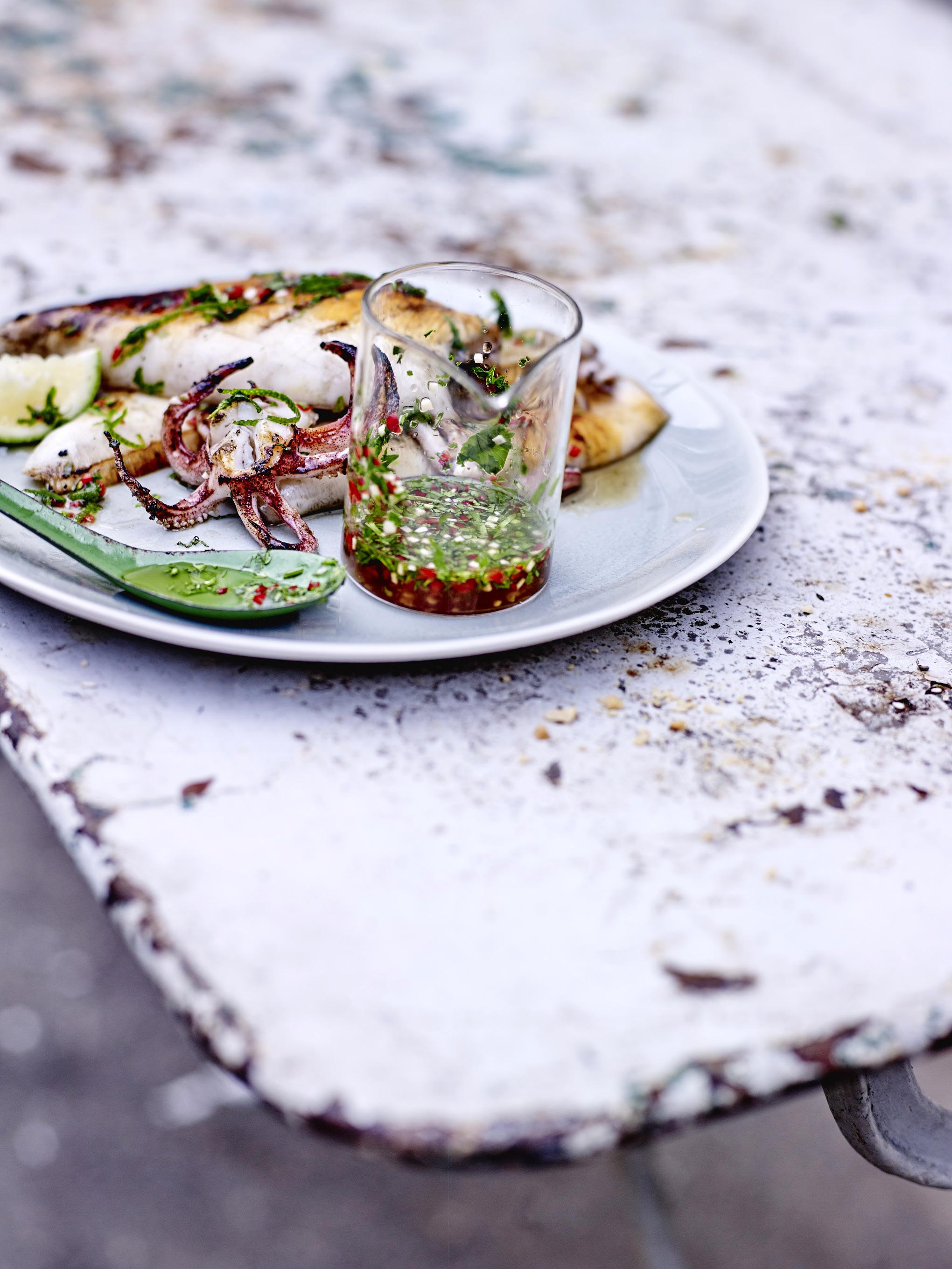 Calamars grill s sauce tha e pour 4 personnes recettes elle table - Sauce pour crustaces grilles ...