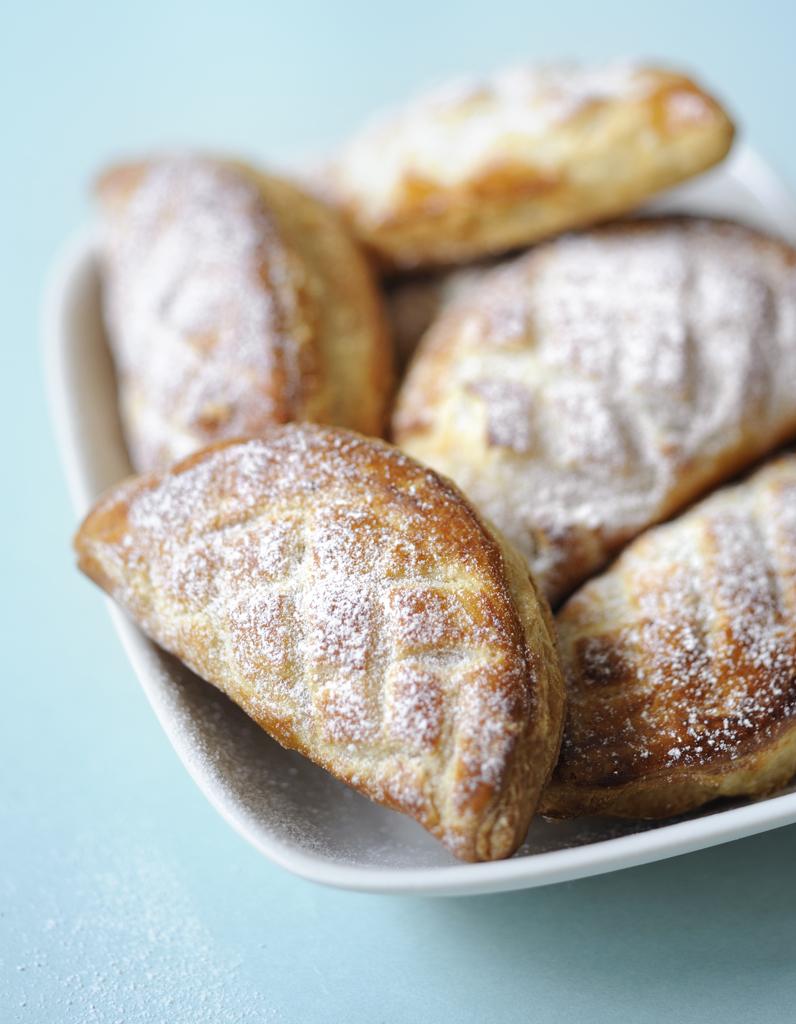 Chaussons aux pommes pour 6 personnes recettes elle table - Site de recettes cuisine ...