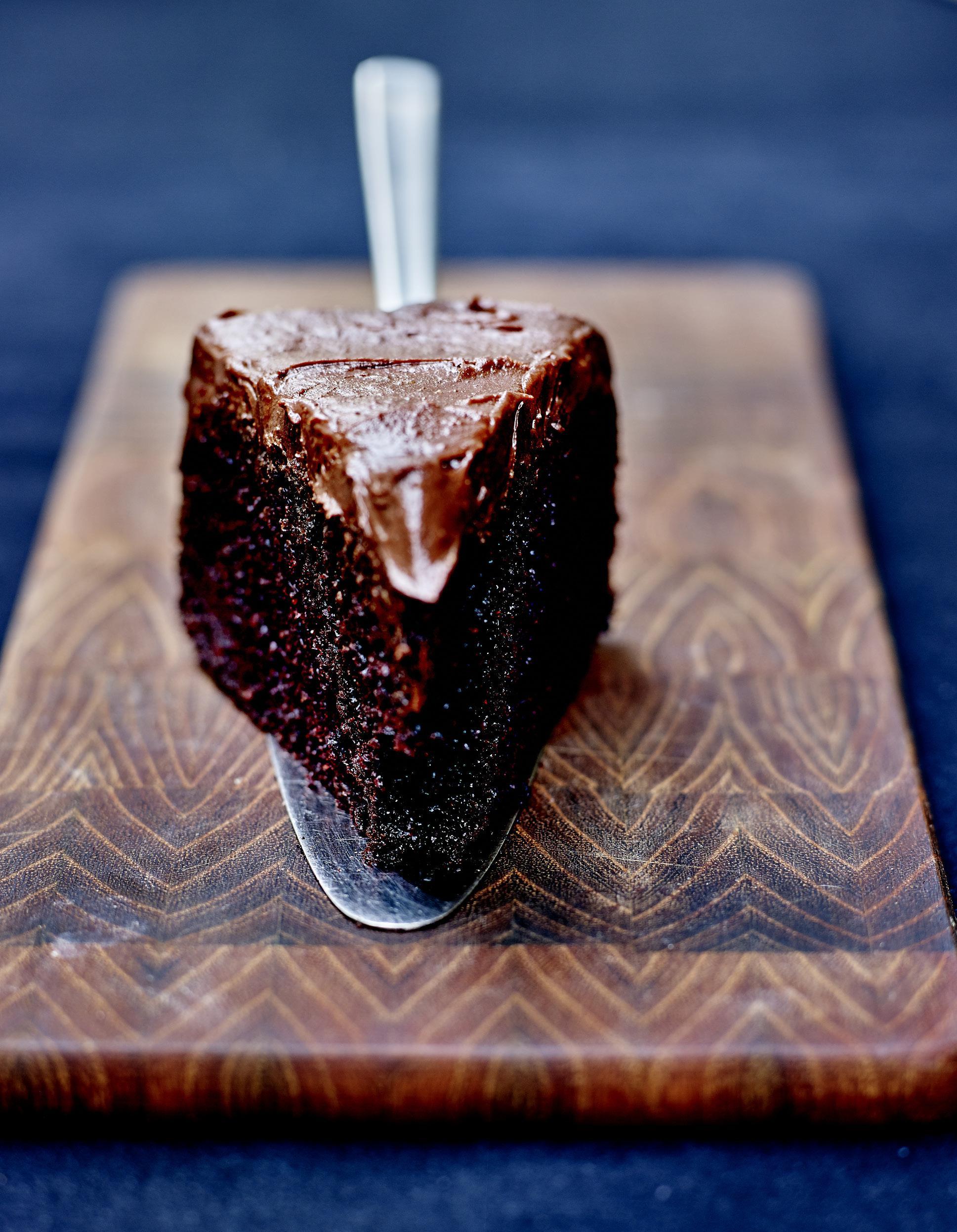 Chocolate fudge cake sans gluten gla age chocolat et fleur de sel pour 6 personnes recettes - Herve cuisine cake chocolat ...