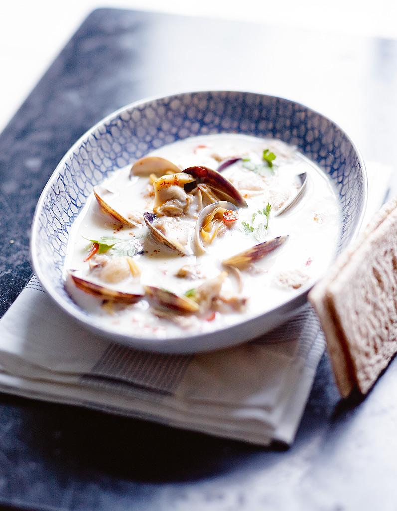 Clam chowder sans pomme de terre et tartines craquantes sans gluten pour 4 personnes recettes - Cuisine etudiante sans four ...