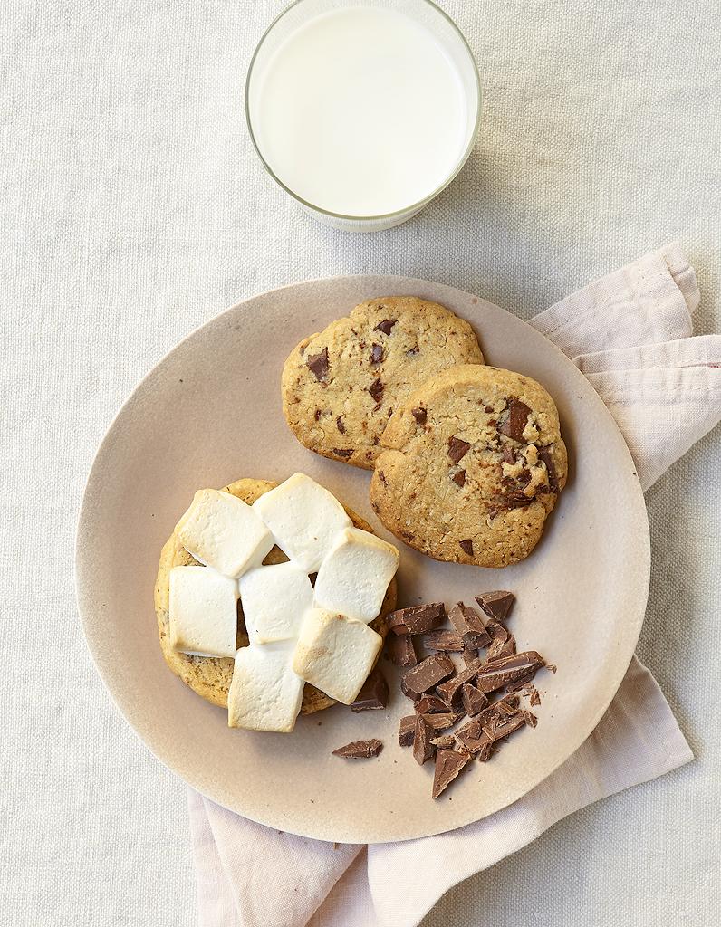 cookies aux flocons d avoine et chocolat pour 6 personnes. Black Bedroom Furniture Sets. Home Design Ideas