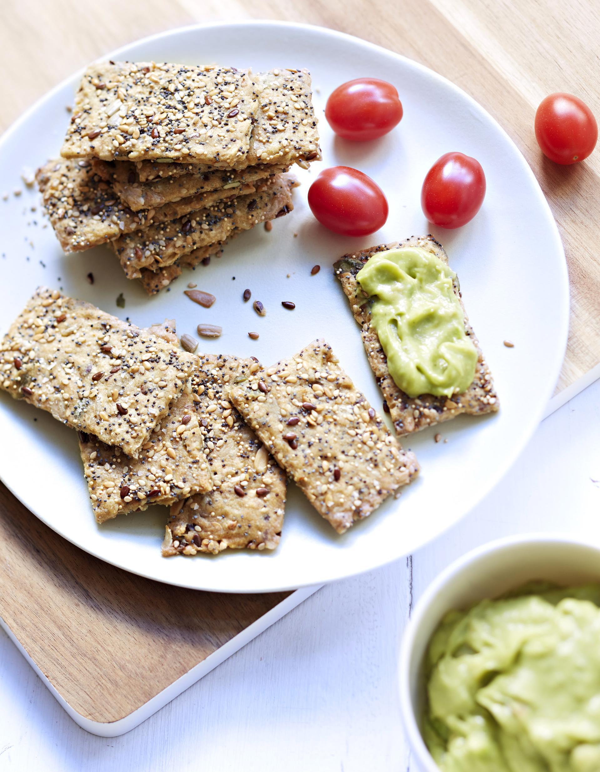 Crackers aux graines pour 8 personnes recettes elle table - Recette cuisine france 2 telematin ...