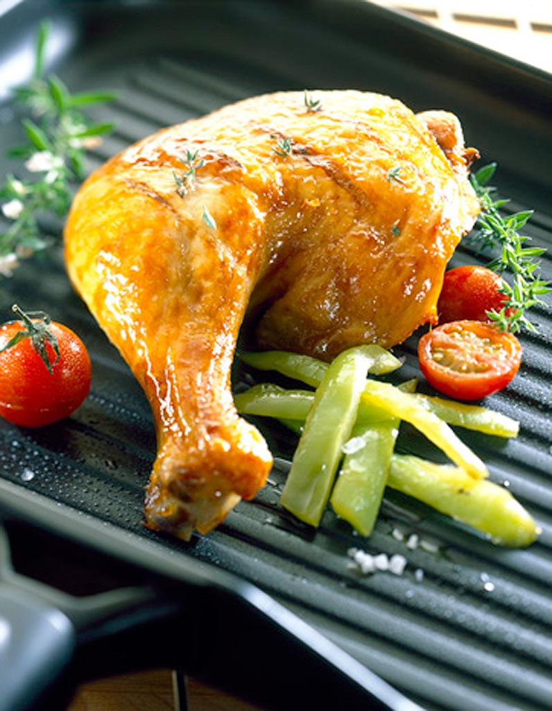 Cuisses de poulet sauce aux canneberges et au poivre vert - Cuisse de poulet en sauce ...