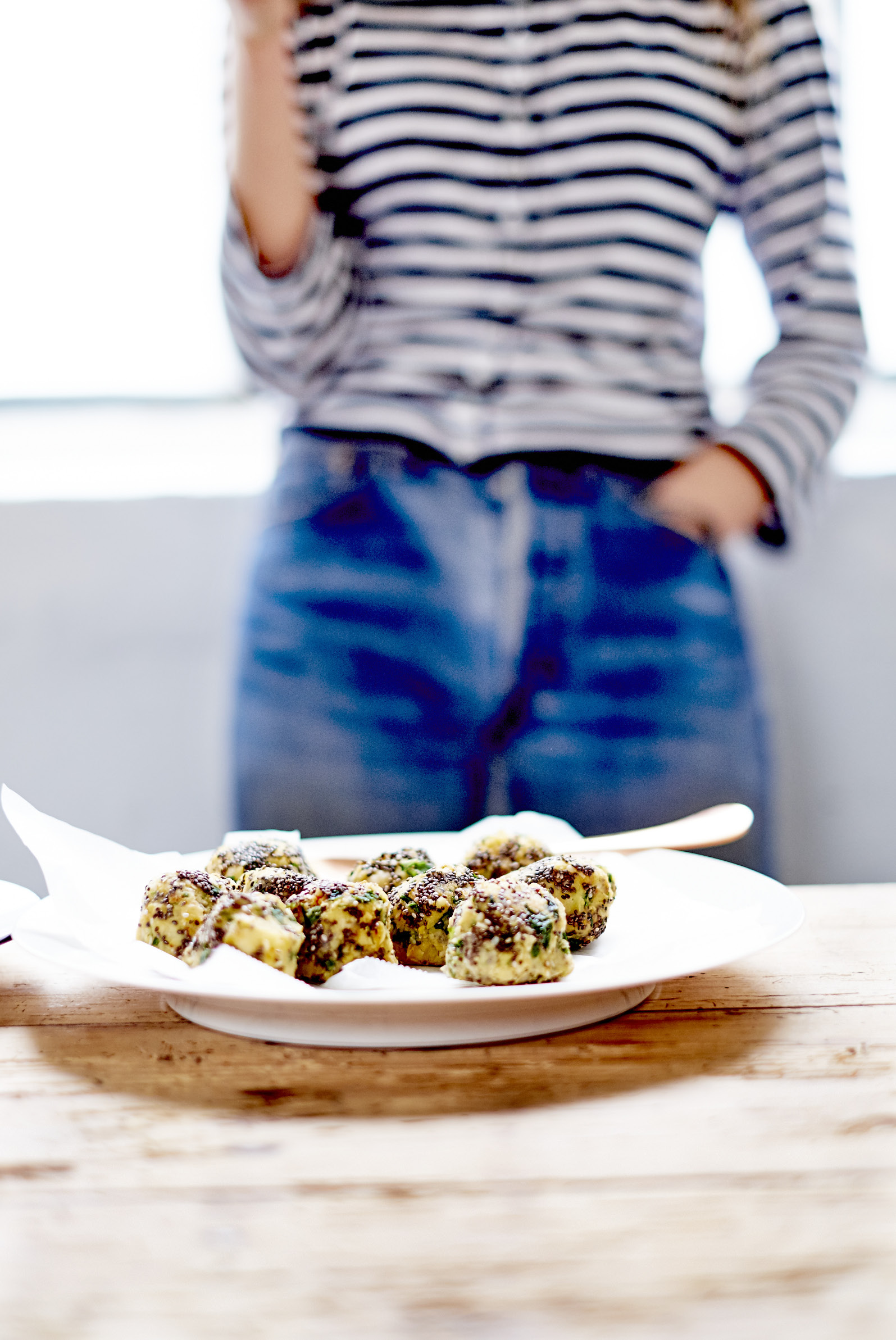 falafels aux graines de chia radis au vinaigre de riz pour 4 personnes recettes elle table. Black Bedroom Furniture Sets. Home Design Ideas