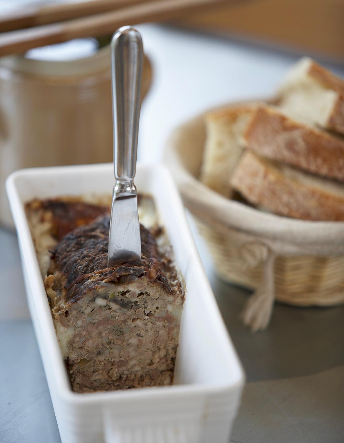 La terrine de sanglier l 39 ancienne pour 8 personnes recettes elle table - Recette cuisine ancienne ...