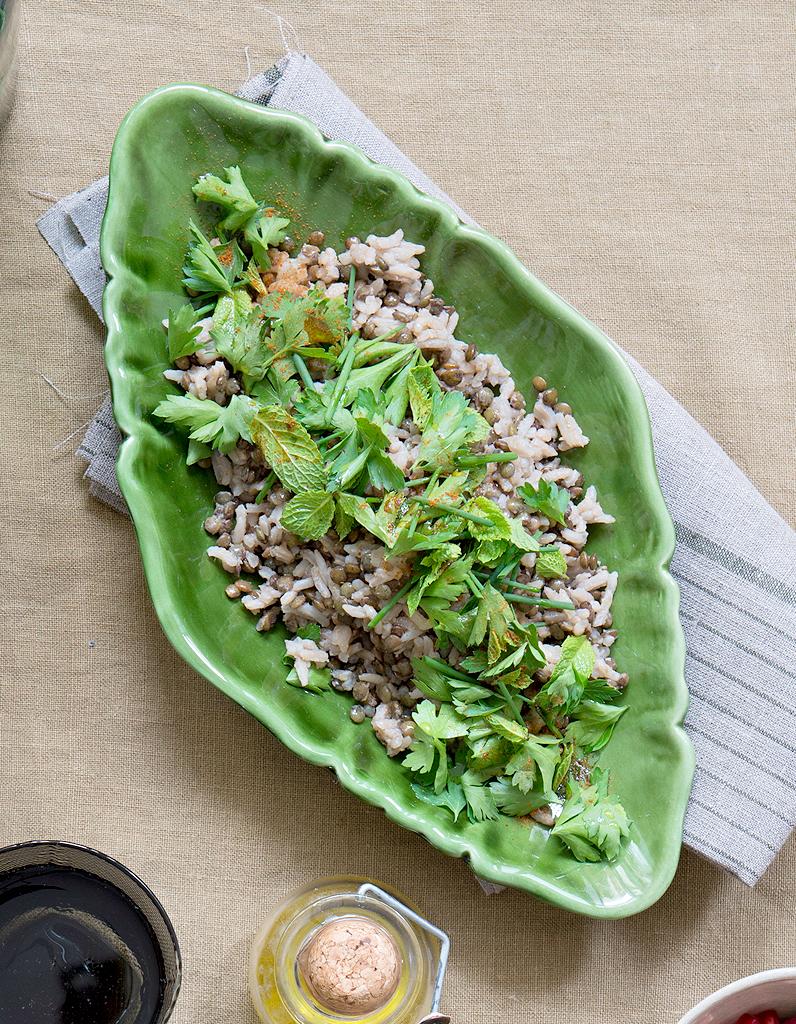 lentilles et risotto herbes fra ches pour 4 personnes recettes elle table. Black Bedroom Furniture Sets. Home Design Ideas
