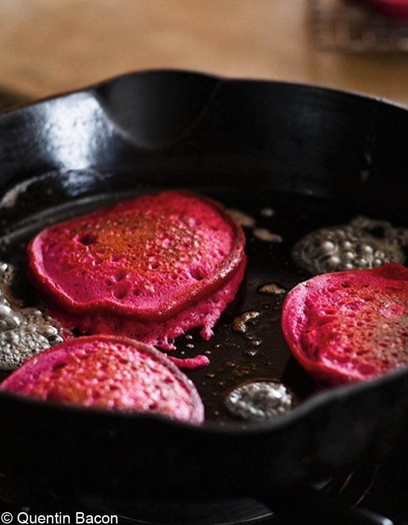 Pancakes de quinoa la betterave rouge pour 4 personnes - Comment cuisiner la betterave rouge crue ...