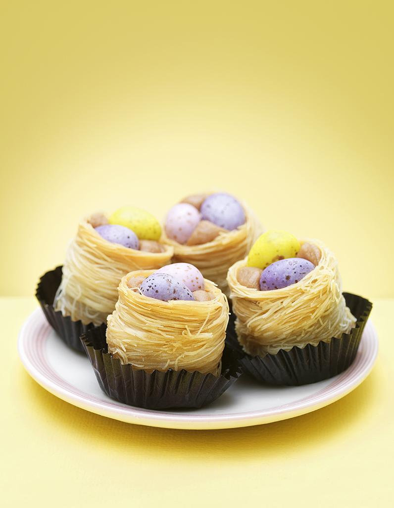 Petits nids la noix de coco pour 6 personnes recettes elle table - La cuisine des petits ...
