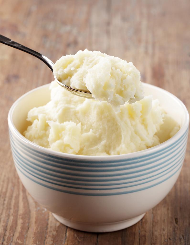 Pur e de pommes de terre thermomix pour 4 personnes recettes elle table - Pomme de terre au beurre ...