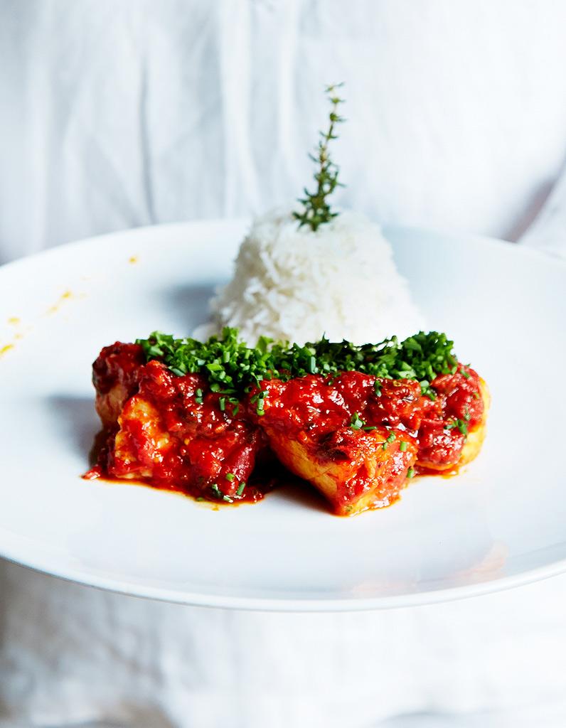 Rougail de poisson pour 2 personnes recettes elle table - Recette de cuisine avec du poisson ...