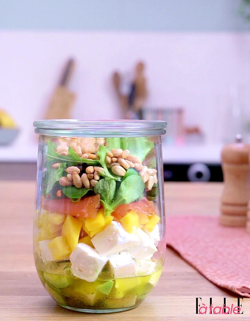 Salad in a jar salade en bocal pour 1 personne recettes elle table - Salade en bocal ...
