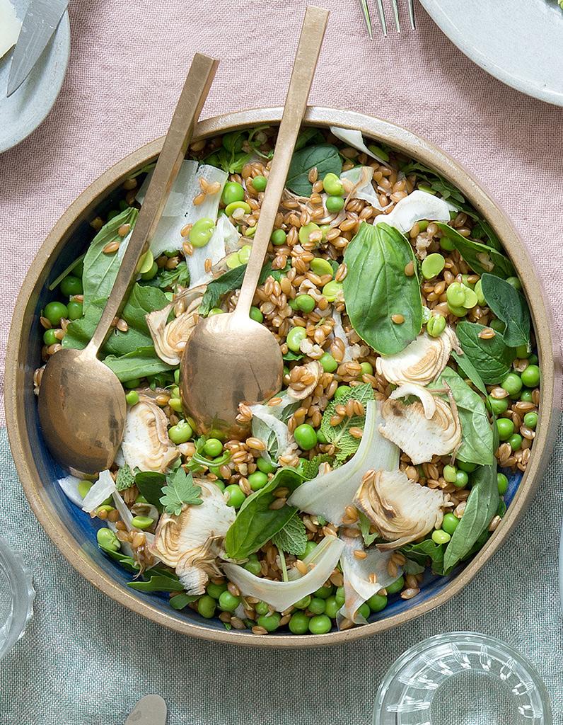 salade d 39 peautre aux petits pois pour 10 personnes recettes elle table. Black Bedroom Furniture Sets. Home Design Ideas
