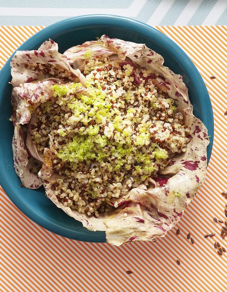 salade de quinoa bicolore pour 6 personnes recettes elle table. Black Bedroom Furniture Sets. Home Design Ideas
