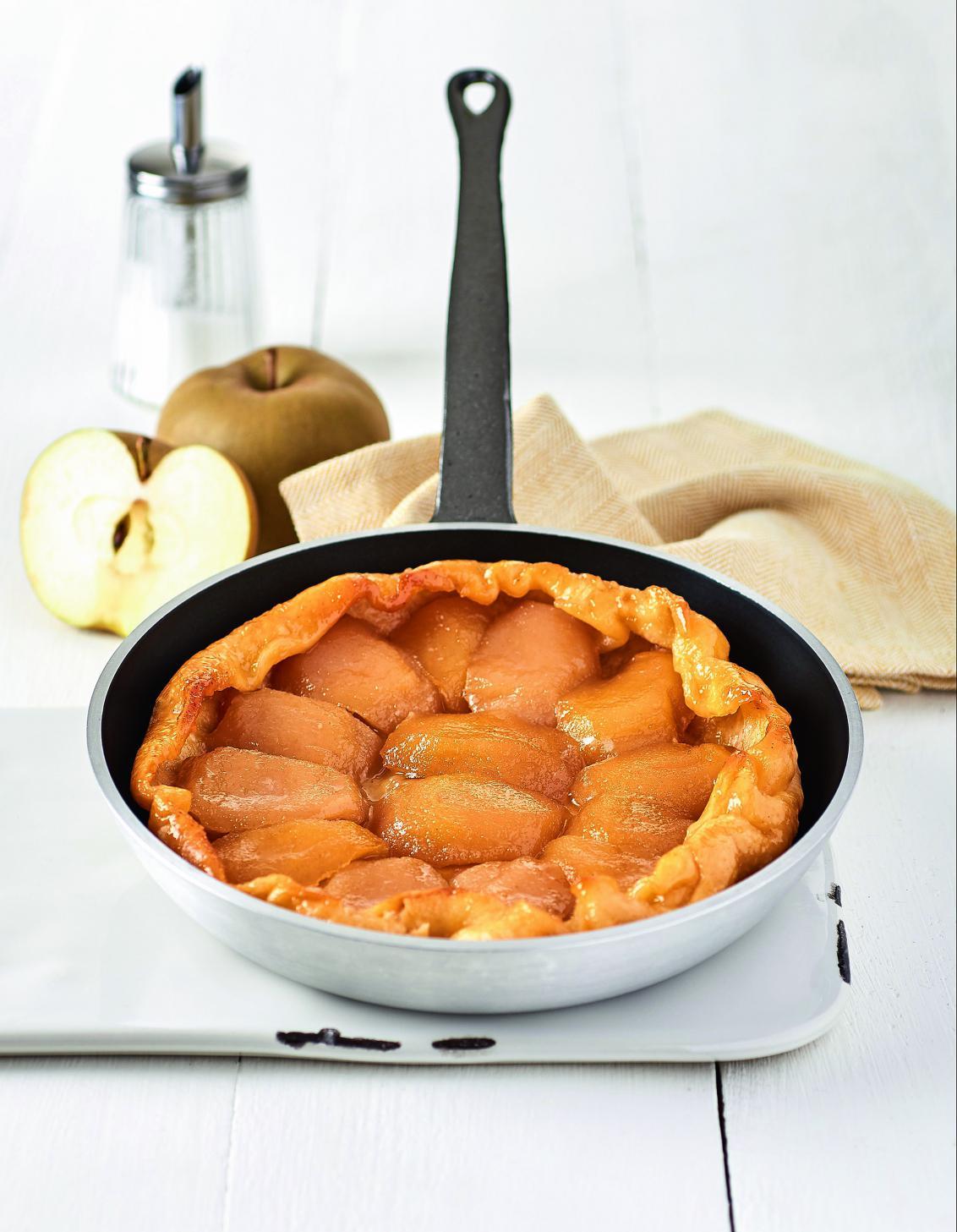 Tarte tatin pomme et caramel sans four pour 4 personnes recettes elle table - Recette de cuisine facile sans four ...