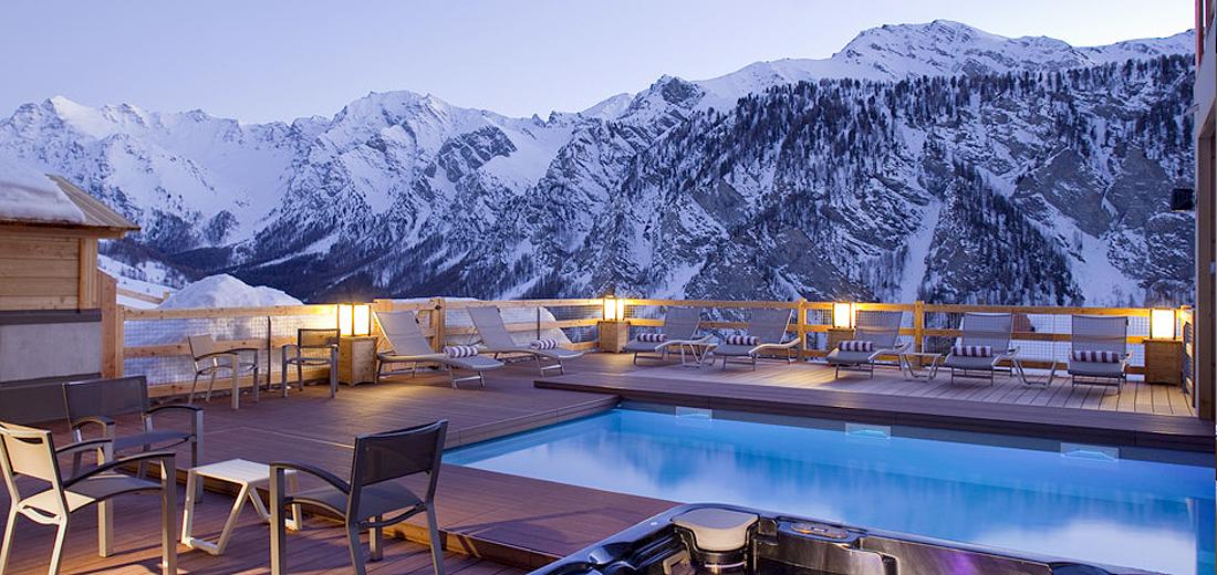 Pour vivre dans le village le plus haut d europe h tel et spa alta peyra s - Les hotels les plus insolites ...